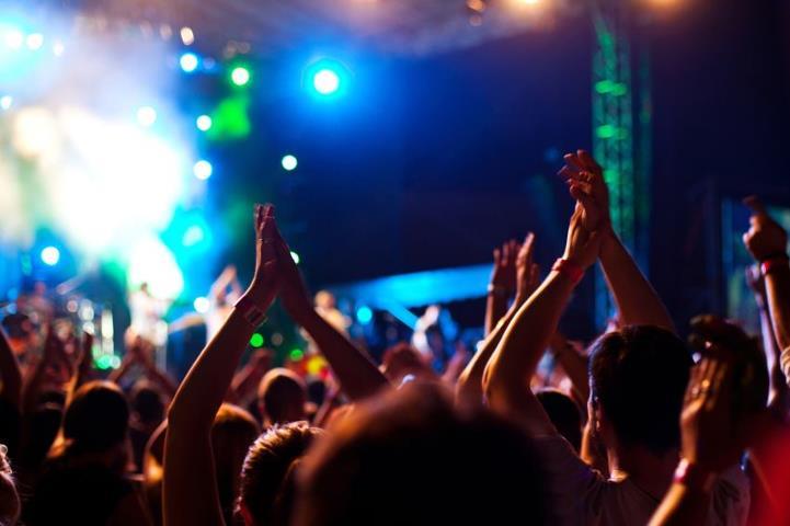 artisti-nunta-petrecere-botez-evenimente-private-aniversari-sarbatori